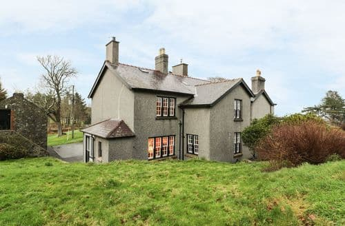 Last Minute Cottages - North Wing at Penmaen