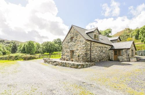 Last Minute Cottages - Superb  Cottage S83934