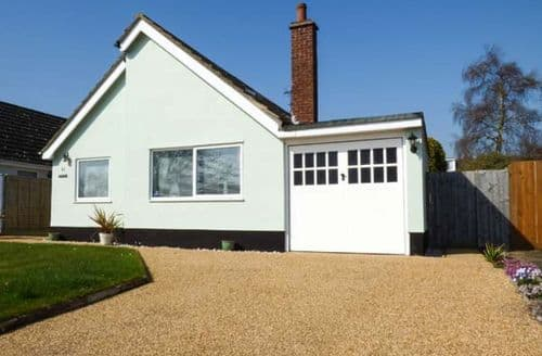 Last Minute Cottages - Ferndown Cottage