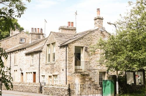 Last Minute Cottages - Luxury Lothersdale Cottage S81532