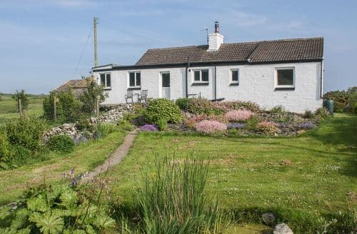 Last Minute Cottages - Beautiful  Cottage S93794
