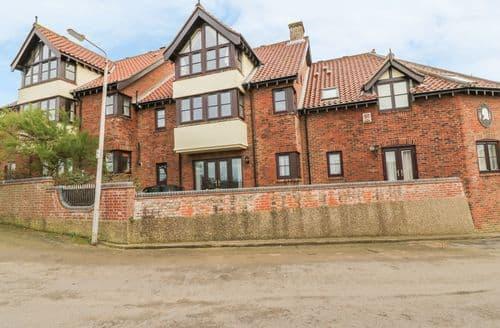 Last Minute Cottages - Beautiful Sheringham Cottage S81412