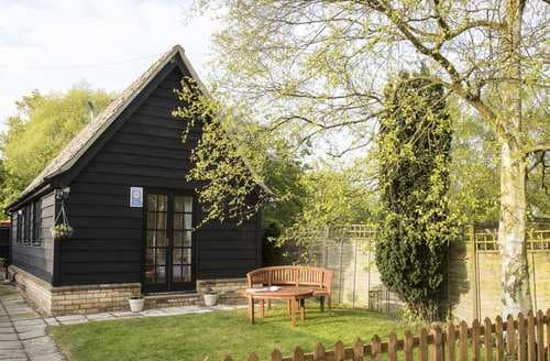 Last Minute Cottages - Delightful Abbots Ripton Cottage S81406