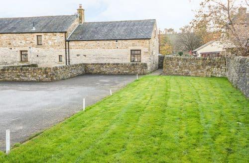 Last Minute Cottages - Old Hall Barn