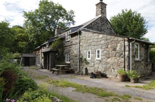 Last Minute Cottages - Tasteful Rhydymain Cottage S83465