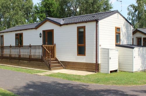 Last Minute Cottages - Quaint Tydd St. Giles Lodge S83042