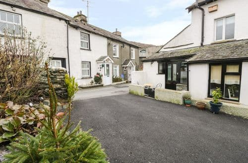 Last Minute Cottages - Cosy Staveley Cottage S80673