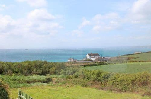 Last Minute Cottages - Superb Gunwalloe Cottage S82025