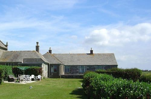 Last Minute Cottages - Parc An Castle Ctg