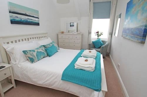 Last Minute Cottages - Delightful Cornwall Apartment S82047