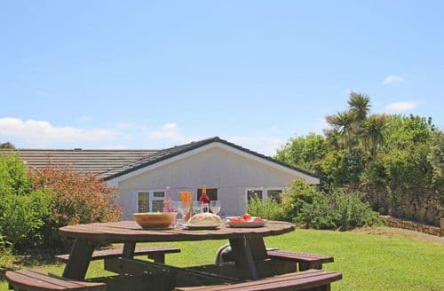Last Minute Cottages - Carne Vue