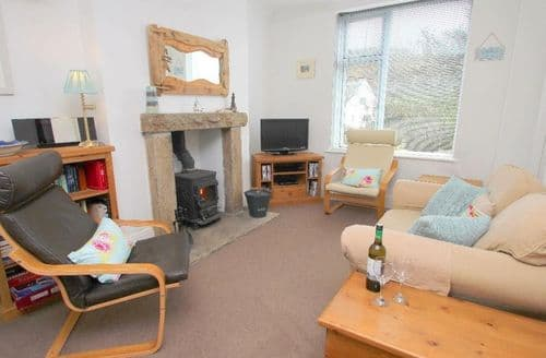 Last Minute Cottages - Attractive St. Levan Apartment S82124