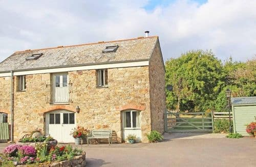 Last Minute Cottages - Treamble Barn