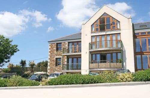 Last Minute Cottages - Stunning Praa Sands Apartment S82173