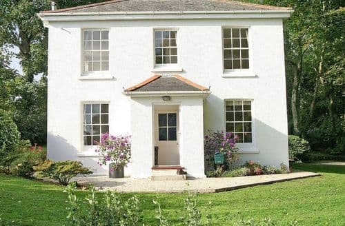 Last Minute Cottages - Penwarne Lodge