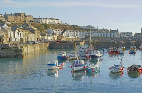 Last Minute Cottages - Tasteful Porthleven Cottage S82199