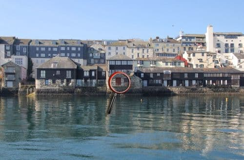Last Minute Cottages - Stunning Falmouth Apartment S82263