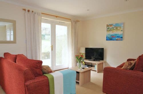 Last Minute Cottages - Cosy Falmouth Cottage S82283