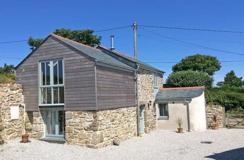Last Minute Cottages - Hay Loft