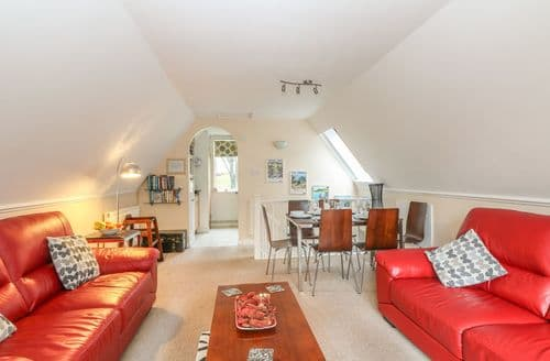 Last Minute Cottages - Gorgeous Norris Green Lodge S82397