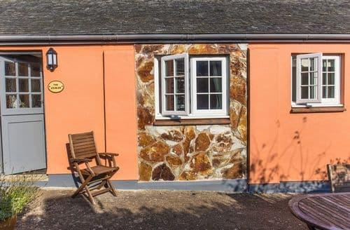 Last Minute Cottages - Stables