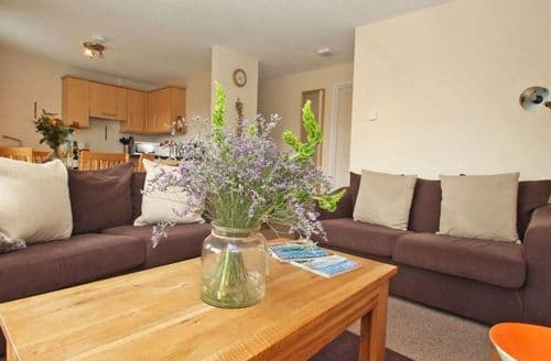 Last Minute Cottages - Adorable Norris Green Cottage S82462