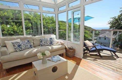 Last Minute Cottages - Porthcurno Bay View