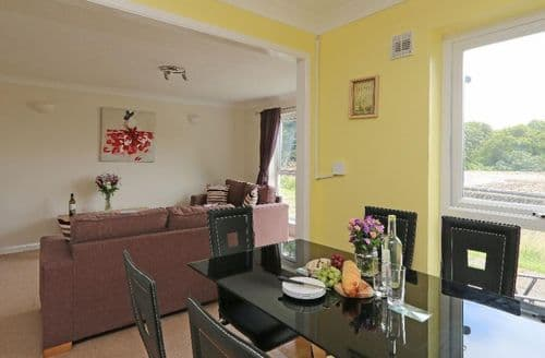 Last Minute Cottages - Luxury Norris Green Cottage S82523