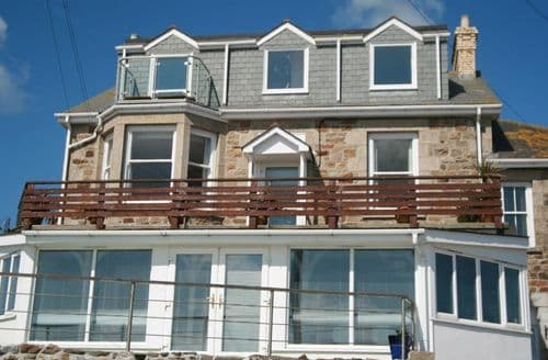 Last Minute Cottages - Superb Marazion Apartment S82572