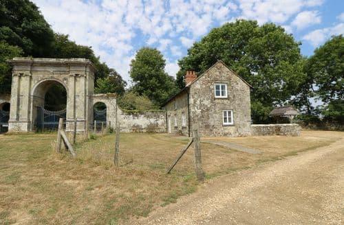 Last Minute Cottages - Freemantle Lodge