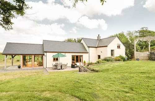 Last Minute Cottages - Glan Gors
