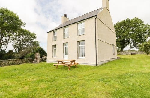 Last Minute Cottages - Adorable Pentre Berw Cottage S84922