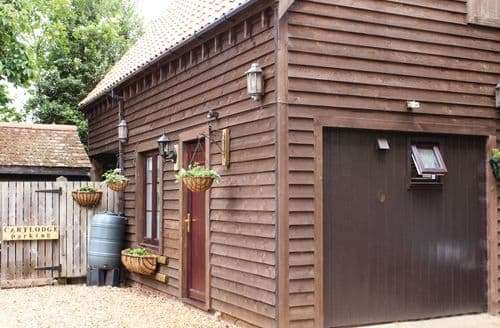 Last Minute Cottages - Tasteful Watlington Lodge S81907