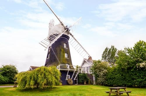 Last Minute Cottages - The Windmill