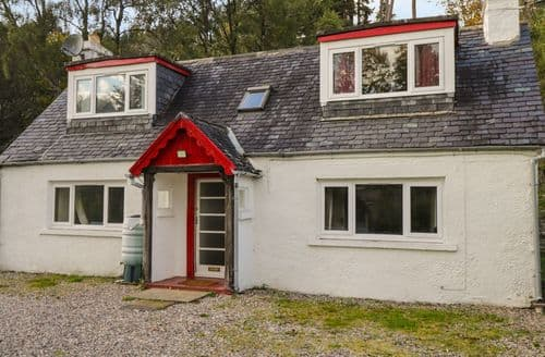 Last Minute Cottages - Beautiful Cannich Cottage S84075