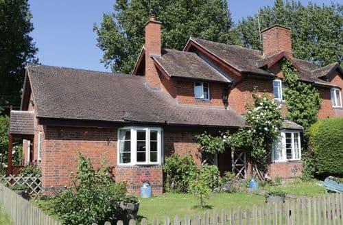 Last Minute Cottages - Tasteful Bishopstone Cottage S81690