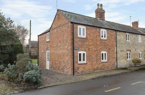 Last Minute Cottages - Excellent Alderton Cottage S93782