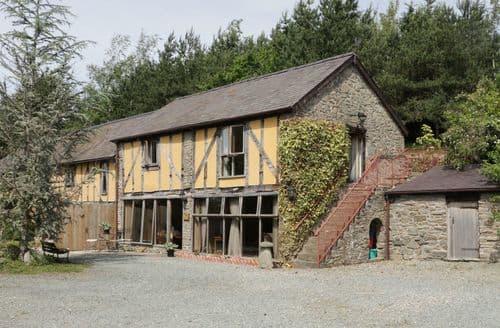 Last Minute Cottages - Luxury  Cottage S82957