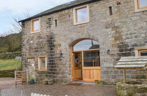Last Minute Cottages - Far Stones Barn