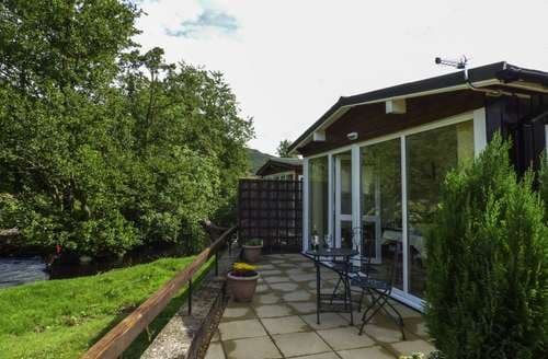 Last Minute Cottages - Superb Llangynog Lodge S85747