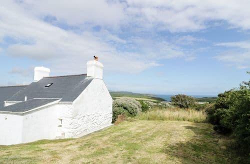 Last Minute Cottages - Pen y Maes Mawr
