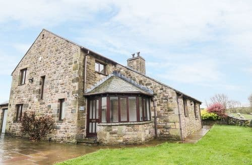 Last Minute Cottages - Hill Bank