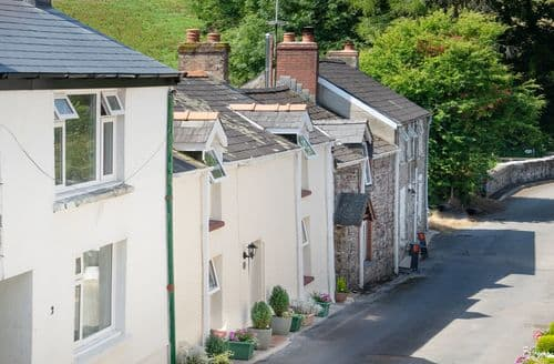 Last Minute Cottages - Lovely Laugharne Cottage S92514