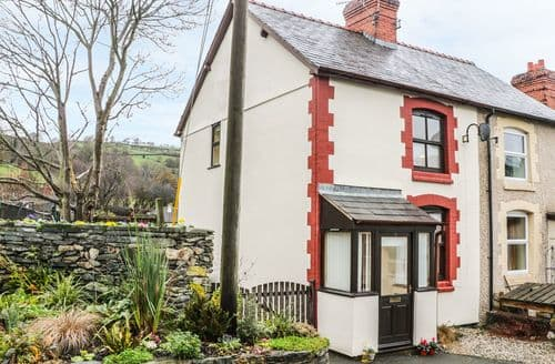 Last Minute Cottages - Superb Llansantffraid Glyn Ceiriog Cottage S88955