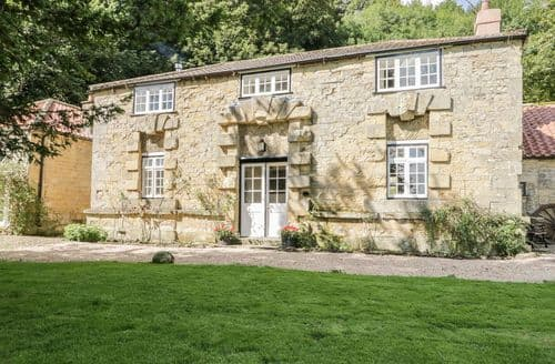 Last Minute Cottages - Charming Ebberston Cottage S85225