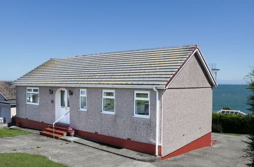 Last Minute Cottages - Bay Lodge