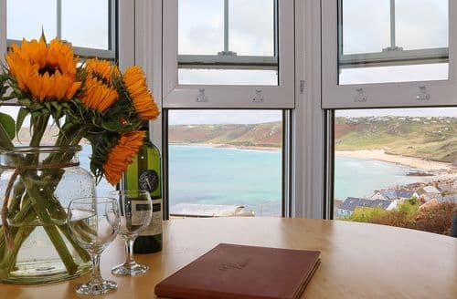 Last Minute Cottages - Quaint Sennen Cove Apartment S86398