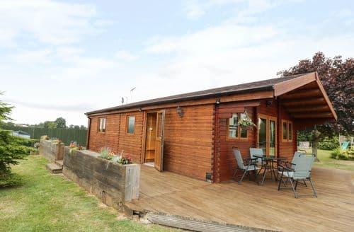 Last Minute Cottages - Mayfields Lodge