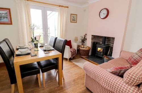 Last Minute Cottages - Dolcoed