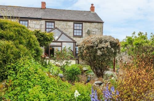 Last Minute Cottages - Tasteful Mabe Burnthouse Cottage S98822